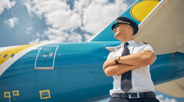 Becoming a commercial pilot